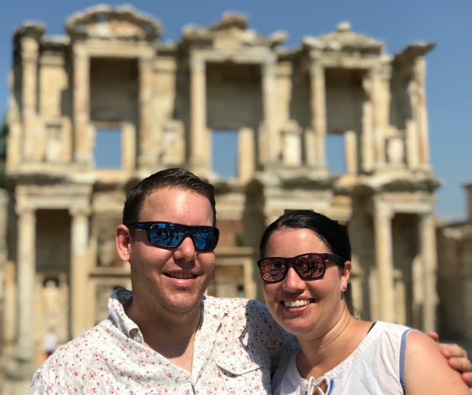 Travsl in Ephesus Sim & Leo